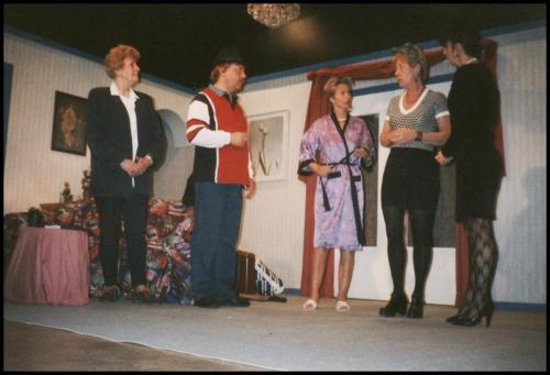 1998 Wie zit er in de wasmand